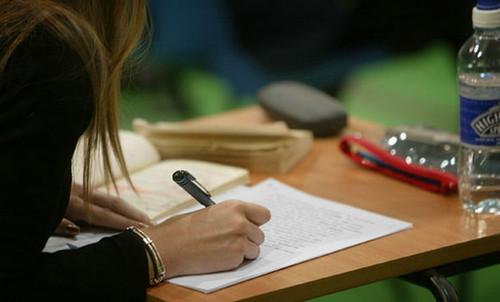 学生豪掷数万网购考题被骗!各类贷款骗局汇总 你可要学会鉴别_九融资网9rongzi.com